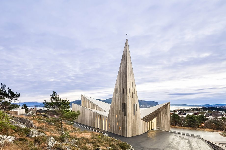 Community Church Knarvikby Reiulf Ramstad Architects